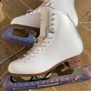 Jackson classique mirage blade ultima skate ice